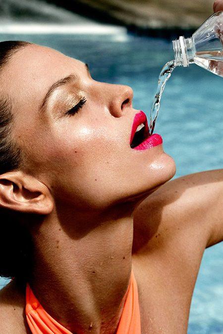 Devemos beber água sem restrições?